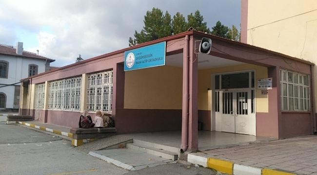 Çankırı Ak Şemseddin Ortaokulu Kırkevlerdeki Mareşal Çakmak Ortaokulu'na Taşınıyor