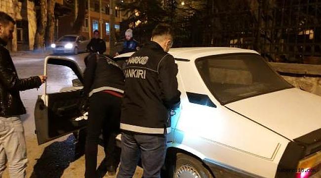 Haklarında Yakalama Emri ve Kesinleşmiş Hapis Cezası Bulunan 2 Şahıs Çankırı'da Yakalandı