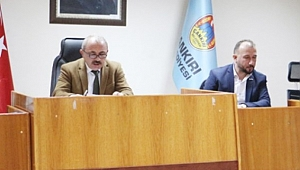 Belediye Başkanı Esen'e Tam Yetki Verildi