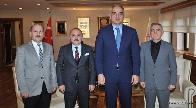 Belediye Başkanı Esen, Kültür Bakanına Turizm Projelerini Anlattı