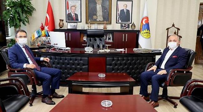 Vali Abdullah Ayaz, Çankırı Belediyesi'ni Ziyaret Etti