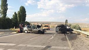 Çankırı'da Otomobil Traktöre Çarptı 3'ü Ağır 8 Yaralı