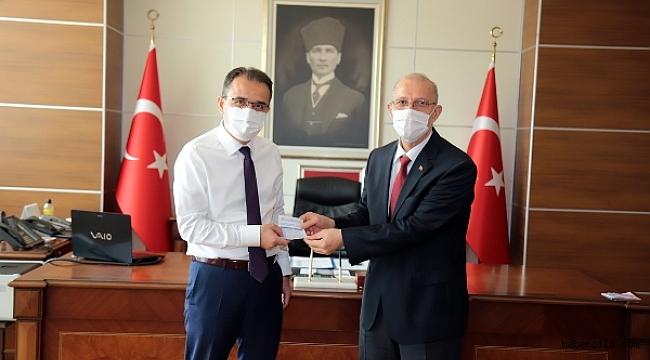 Valimiz Abdullah Ayaz, Türkiye Diyanet Vakfı'na Kurban Bağışı Yaptı