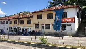 Bayramören'in Tarihi Okulu Kaderine Terk Edildi (Özel Haber)