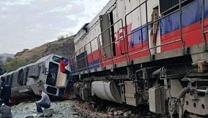 Çankırı-Irmak Seferini Yapan Yük Treni Kalecik Km 18'de Çarpıştı 2 Ölü