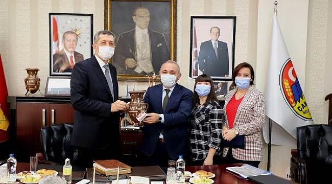 Milli Eğitim Bakanı Ziya Selçuk Çankırı Belediyesi'ni Ziyaret Etti