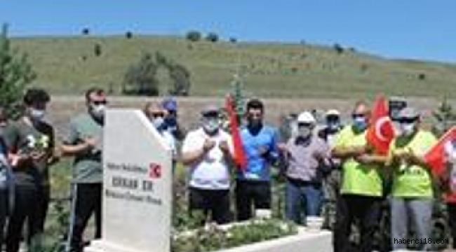 TÜGŞAV Çankırı Şubesi 6 Ayda Tüm Şehitlerimizi Ziyaret Etti