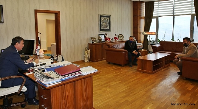 """""""Direnç Antrenmanının Sporculara Etkisi"""" Ön Raporu Rektör Ayrancı'ya Sunuldu"""