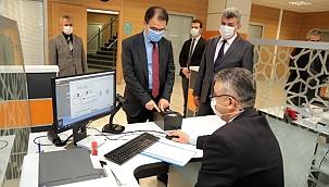Valimiz Abdullah Ayaz, Nüfus Müdürlüğünü Ziyaret Ederek İncelemelerde Bulundu