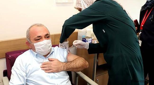 Belediye Başkanı Esen, Covid-19 Aşısı Oldu