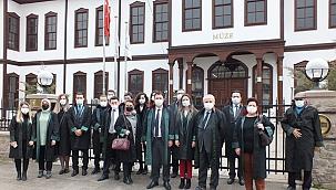 Baro Başkanı Köroğlu, 5 Nisan Avukatlar Gününü Kutladı