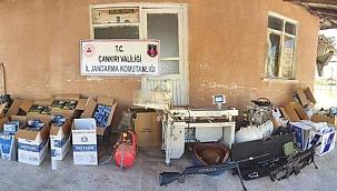 Çankırı'da Kaçak Sigara Üretim Tesisine Operasyon