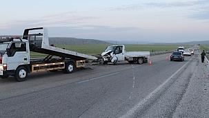 Kızılırmak Karayolu Dedeköy Mevkiinde Trafik Kazası 5 Yaralı