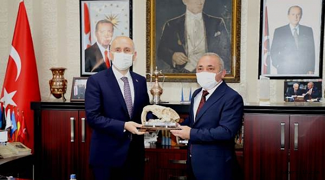 Ulaştırma ve Altyapı Bakanı Çankırı Belediyesini Ziyaret Etti