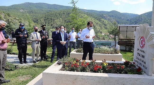 Vali Abdullah Ayaz Jandarma Komutanlığı Ve Şehit Ailelerini Ziyaret Etti