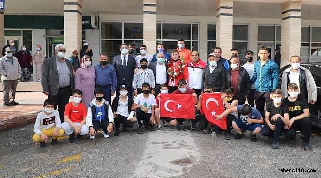 Çankırı, Avrupa 3.sü Fatih Özgen'i Bağrına Bastı