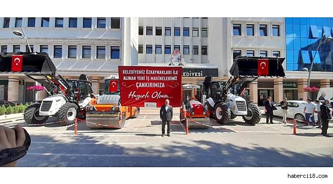 Çankırı Belediyesi Kendi İmkanları İle Öz Bütçesinden 4 İş Makinası Aldı