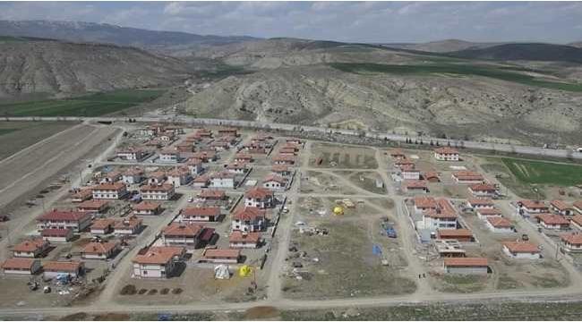 Çankırı Merkez İnandık Köyüne Giriş İçin Neden Bir Kavşak Yapılmıyor (Özel Haber)