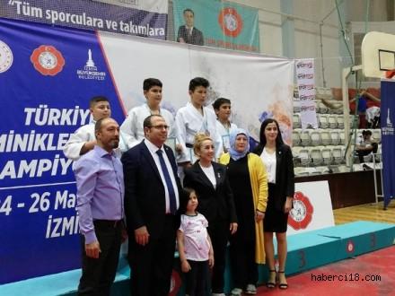 +60 Kiloda Türkiye 3. Sü Olan Sporcumuz Yiğit Aslan'ı Tebrik Ediyoruz