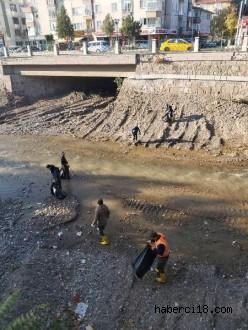 Belediye Ekipleri Tatlıçay'a El Attı