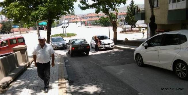 Çankırı'da Sürücüleri Şaşırtan Trafik Levhası Yerine Yeniden Çakıldı (Özel Haber)