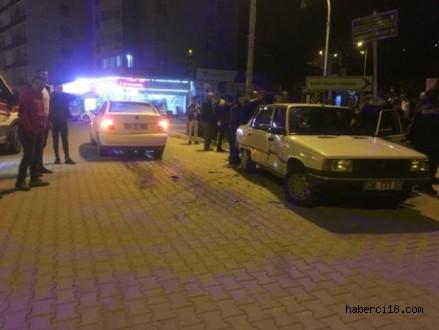 Çankırı Şehir Merkezinde Çift Taraflı Trafik Kazası 3 Yaralı