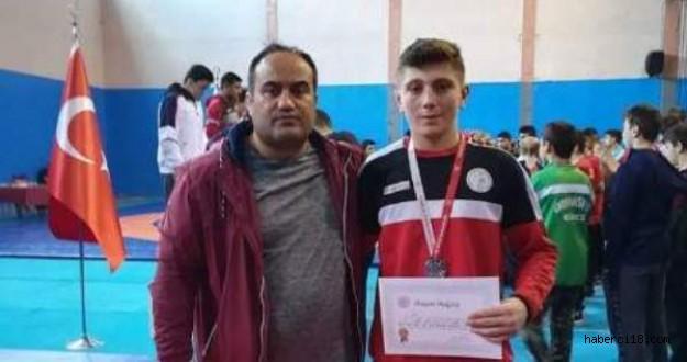 Fatih Özgen Türkiye Şampiyonası Vizesini Garantiledi