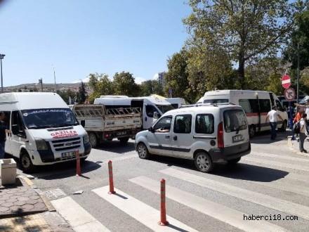 Güneş İlkokulu Güzergahına Saçma Sapan Trafik Akışı Verenler İlk Uygulamalarıyla Rezil Oldular (Özel Haber)