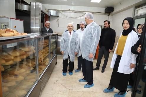 Valimiz Hamdi Bilge Aktaş, Ekmek Üretim Tesisini İnceledi